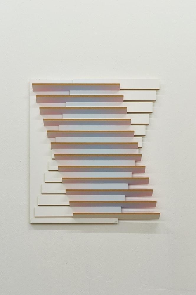 TANGO, 2017 Acryl auf MDF, gegenwärtiges Licht im Raum 66,5 x 66 x 5,5 cm
